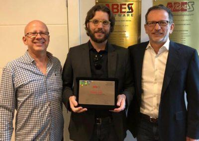 Francisco Camargo; Roberto Gallo, CEO e Cientista-chefe da Kryptus e Rodolfo Fücher, presidente da ABES