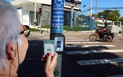 Sensores deixam ruas amigáveis para idosos e pessoas com deficiência