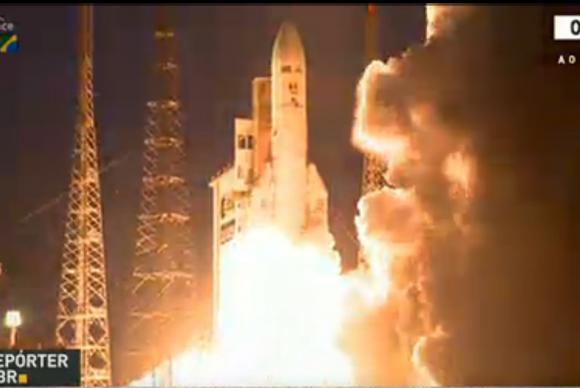 Primeiro satélite geoestacionário brasileiro para defesa e comunicações estratégicas é lançado ao espaço Reprodução/TV NBr