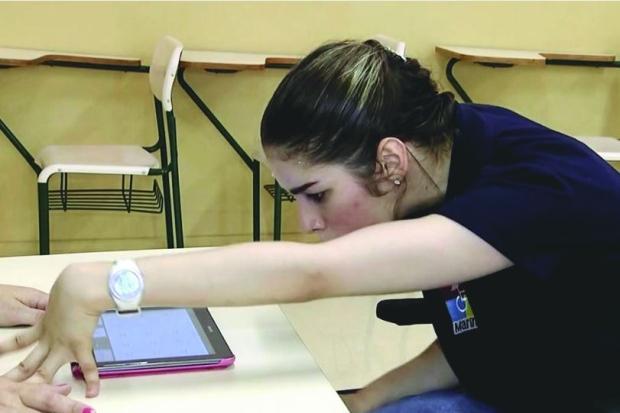 App Marina - Aluna com paralisia inspira app que facilita comunicação