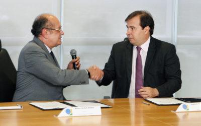 Câmara e TSE assinam acordo para intercâmbio de informações em formato digital
