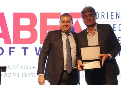 Jorge Sukarie, presidente do Conselho da ABES, e Júlio Semeghini, secretário de governo da Prefeitura de São Paulo