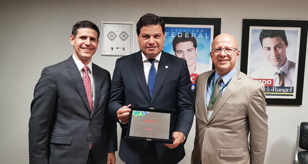 Andrei Gutierrez, Sandro Alex e Francisco Camargo