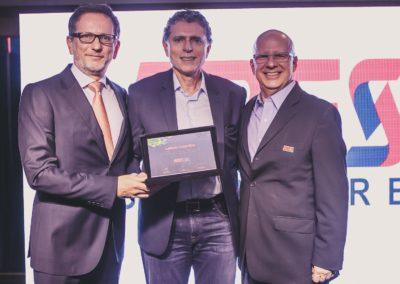Rodolfo Fücher, conselheiro da ABES; Laércio Cosentino, CEO da Totvs; e Francisco Camargo, presidente da ABES