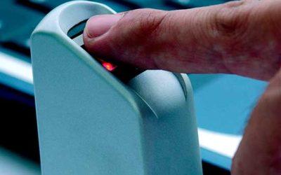 Governo federal adota ponto eletrônico para 410 mil servidores